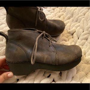 Dansko Gray ankle boots. 6.5/7